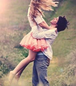 pareja-de-enamorados-campo