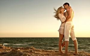 imagenes-de-enamorados-dandose-un-beso-9